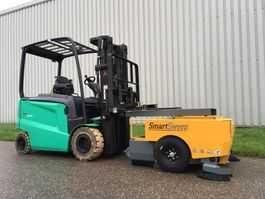 Varredora Industrial Smartsweep TVH 140TA2232 usada a funcionar.