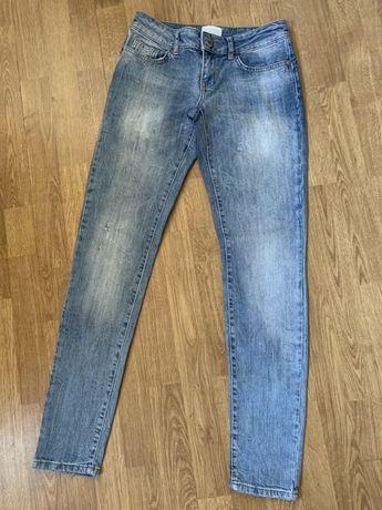 Продам джинсы фирмы Motivi Оригинал!