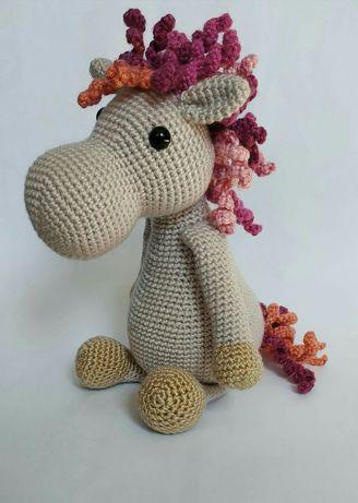 Koń na szydełku zabawki handmade