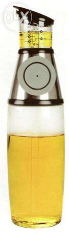 Garrafa doseadora de azeite ou vinagre