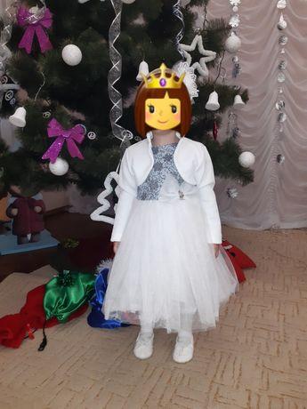 Красивое, нарядное платье на девочку 1,5-2,5 года