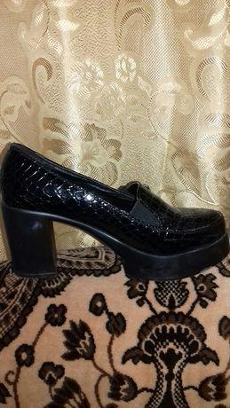 Туфли ботиночки на каблуке