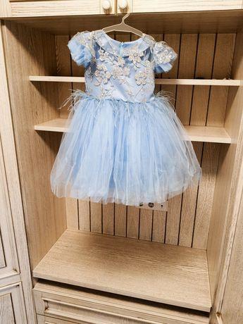 Продам сукню для дівчинки  на зріст 115 до 122 см