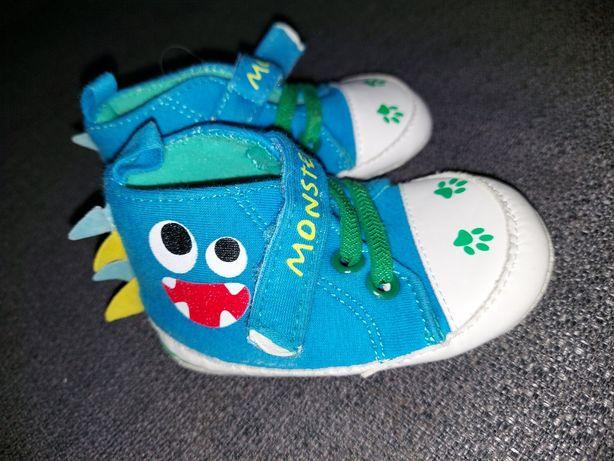 Buty niechodki dla niemowlaka rozmiar 19