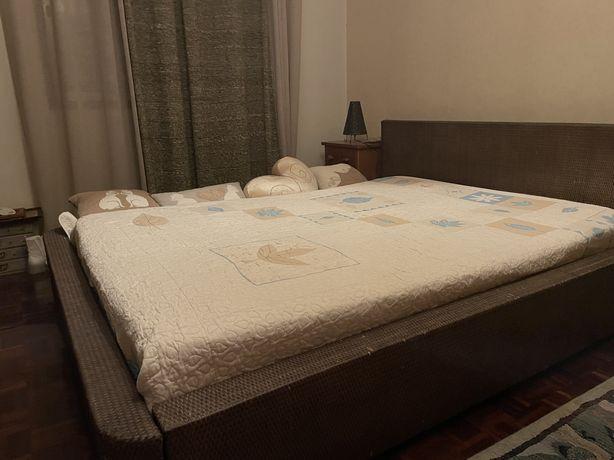 Vendo cama de casal Ikea