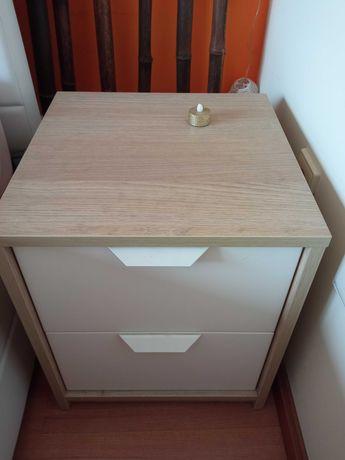 Mesinhas de cabeceira carvalho claro e banco duas gavetas
