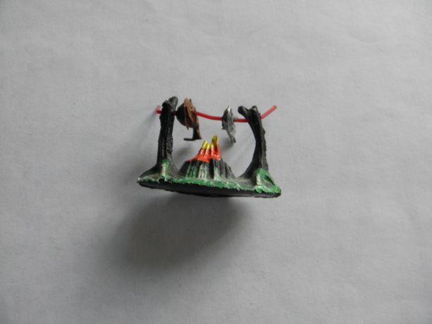 Индейцы ГДР костер №203