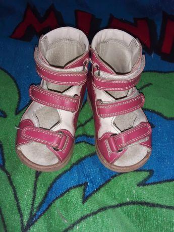 Ортопедическая обувь на девочку.Ортопедические босоножки 12 размер