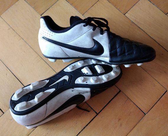 Korki lanki Nike rozm. 36,5 cm