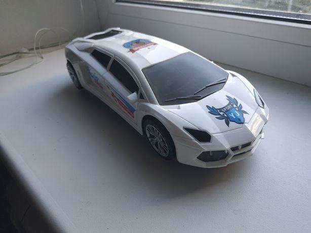 Продам игрушечную спортивную машину