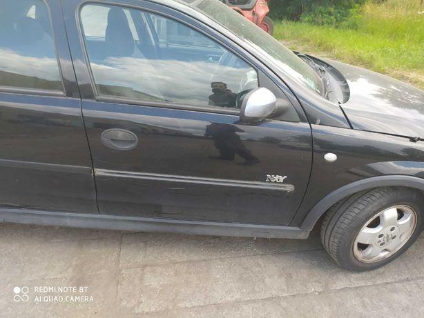 Opel Corsa C drzwi prawy przód