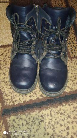 Продам зимние, тёплые ботинки,37-й размер