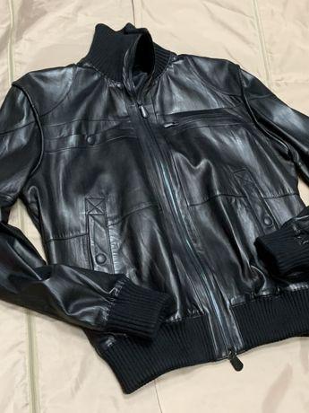 Продам Bottega Veneta шкіряну куртку /нова/ Lux