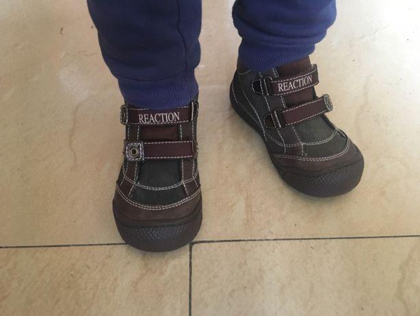Детские ботинки туфли кроссовки Kenneth 15,5-16 см защитный носок