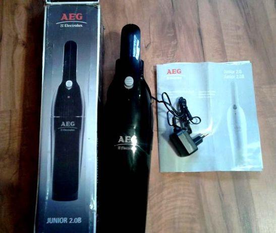 Ручной аккумуляторный пылесос AEG Electrolux Junior 2.0