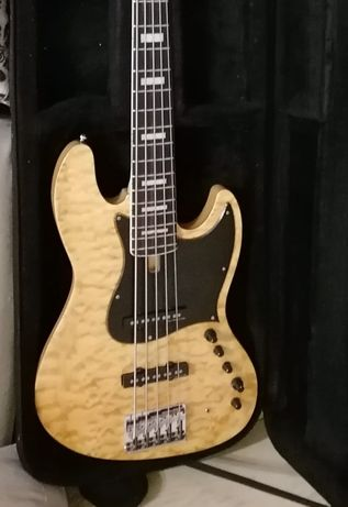 Guitarra baixo elétrico Sire v9 Marcus Miller