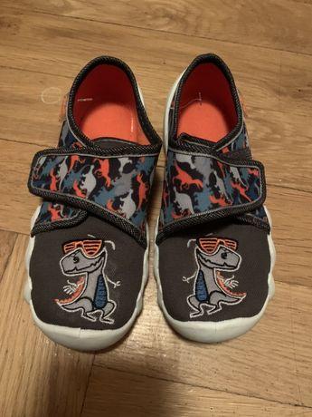Nowe buty kapcie befado 27 dinozaur na rzep