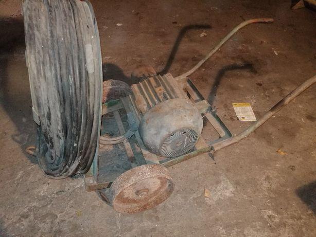 Silnik 10 KW na wózku z 40 m przewodu