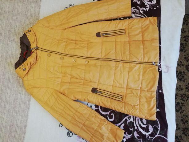 Женская демисезонная куртка 48 размер