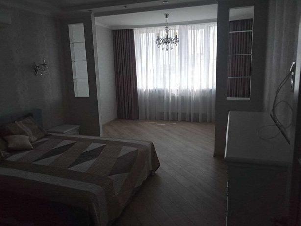 отличная совершенно новая квартира в новострое на Голосеево