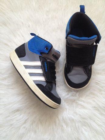 Продам кроссовки Adidas /оригинал/