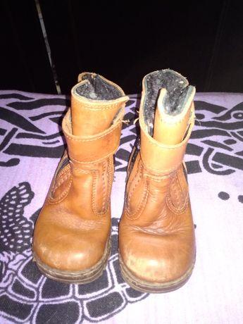 Отдам бесплатно детские зимние ботинки