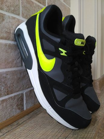 Кроссовки Nike Air Max р 44(28 см) ц 1150 гр( оригинал.отличное сост)