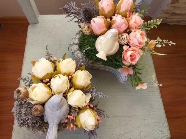 Kompozycje kwiatowe, stroiki
