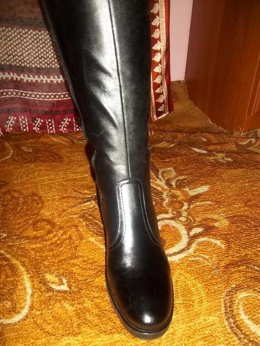 новые кожаные красивые сапоги осень- весна по стельке 26.5 - 27см Ровно - изображение 1
