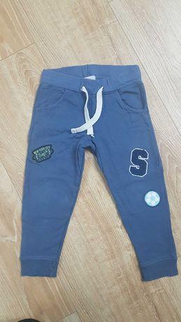 Spodnie dresowe 98