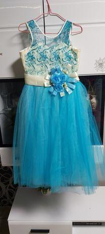 Праздничное платье на девочку 6-8 лет