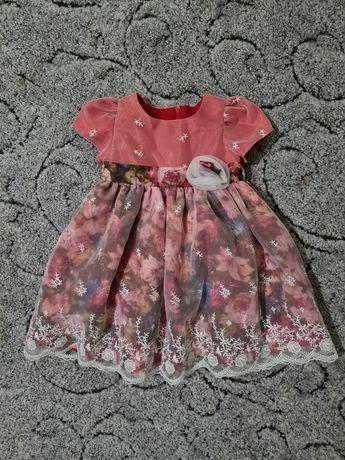 Пышное , нарядное платье для девочки