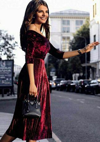 Платье велюровое бордовое