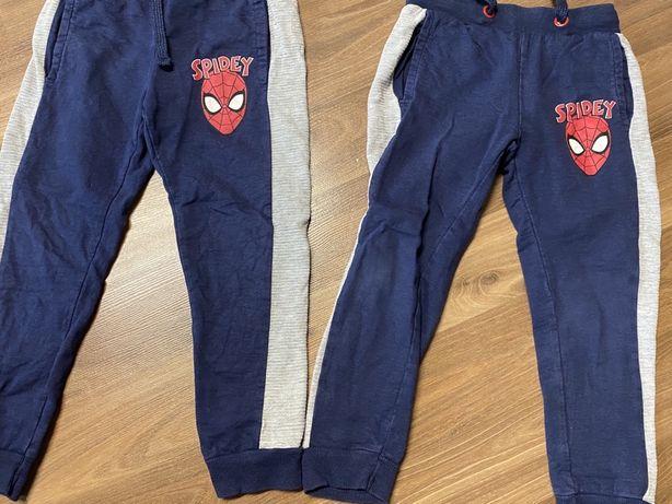 Spodnie dresowe r 110 dla blizniakow