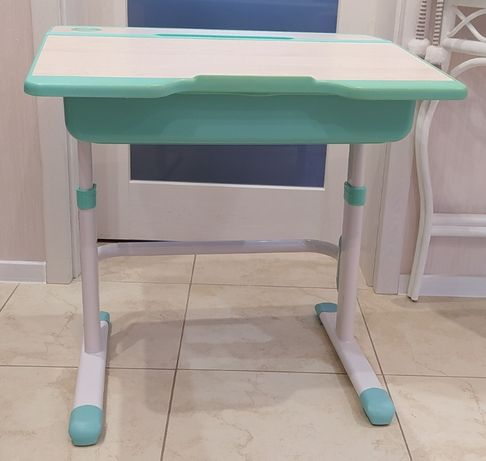 biurko, regulowana wysokość, dla dziecka