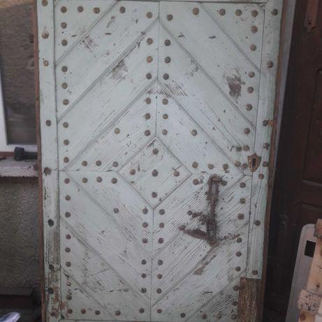 Stare drzwi kute antyk