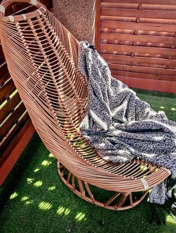 Fotel wykonany z wikliny