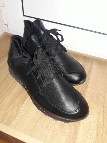 Мужские кожаные новые ботинки