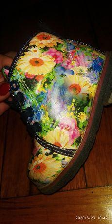 Продам осенне-весенние ботинки на девочку