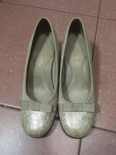 Sapatos 36, Aerosoles, dourados