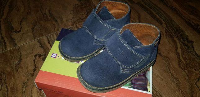 Продам замшевые ботинки Pablosky 24 размер