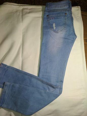 Джинсы, штаны рваные