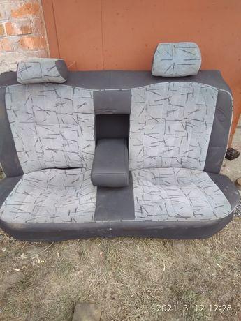 Задние сиденья на бус