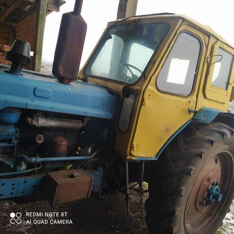 Продам  трактор ЮМЗ в робочому стані більше детальніше по телефону