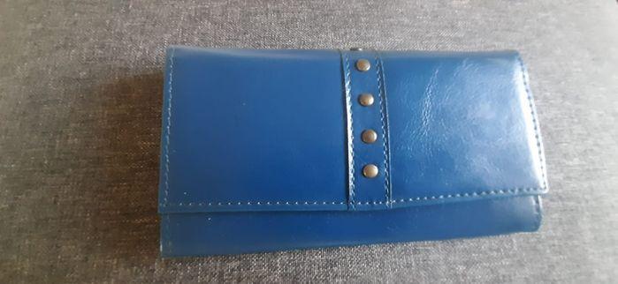 Piękny niebieski portfel Mielno - image 1
