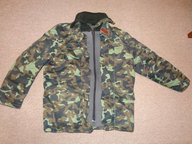 Куртка камуфляжная новая: ветровка + теплая подстежка. Замеры в описан