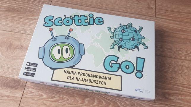 Gra edukacyjna z interaktywnym kursem programowania