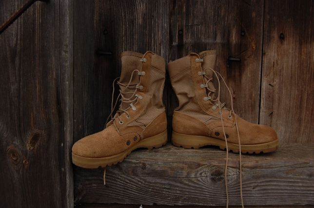 Buty pustynne wojskowe