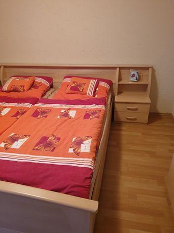 Łóżko malżeńskie