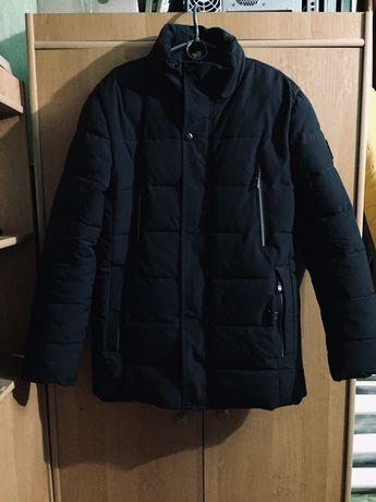 Продам зимнюю куртку на меху